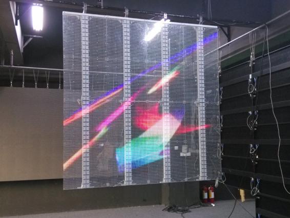 LED玻璃透明显示屏在餐厅设计